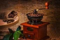 Вкусные рецепты: САЛАТ из АВОКАДО с СЫРОМ, АПЕЛЬСИНОМ и КЛУБНИКОЙ., Шоколадный мильфей с клубникой и розмарином, салат с огурцом и креветками